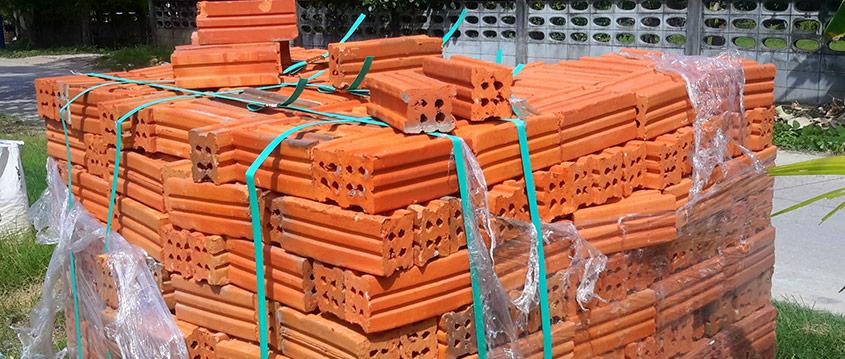 Plastband billigare och säkrare än stålband